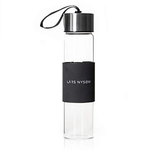 LARS NYSØM Design Glas Trinkflasche I 400ml Glasflasche BPA frei mit rutschfestem Sleeve I 265g Borosilikatglas Getränkeflasche ideal für zu Hause und unterwegs