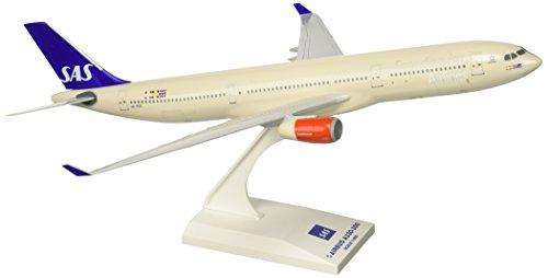 skymarks-skr573-scandinavian-sas-airbus-a330-300-1200-snap-fit-model