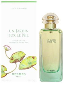 Un Jardin Sur Le Nil fur Damen Giftset - 100 ml Eau de Toilette Spray + 39 ml Korperlotion + 39 ml Duschgel + 8 ml Eau de Toilette Mini