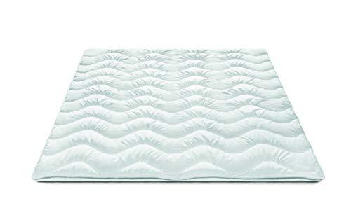 Traumnacht Basis Steppbett 4-Jahreszeiten, für jede Jahreszeit, mit kuschelig weichem Microfaserbezug in 135 x 200 cm, weiß