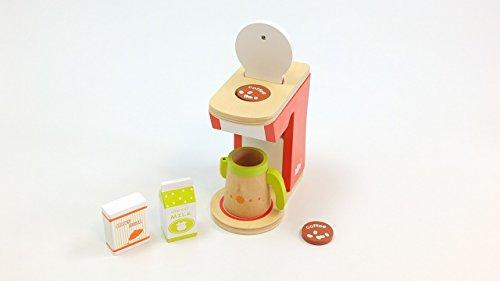 Kaffeemaschinen Set mit Kaffeemaschine, Kanne, Milch-Packung, Paket braunem Zucker + 2 Keksen / Material: Holz / 3+