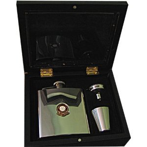 Manchester United 'The Red Devils' Football Club 6oz Hip Flask Gift Set- Engraved Free