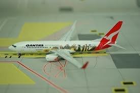 ph4qfa791-phoenix-qantas-optus-b737-800-model-airplane