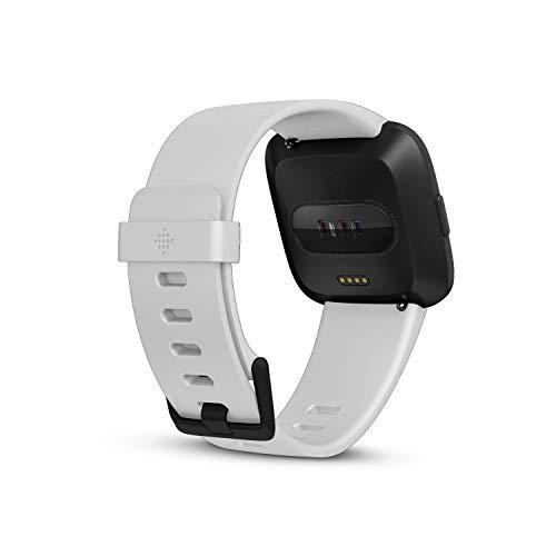 Fitbit Versa Gesundheits 4 /& Fitness Smartwatch mit Herzfrequenzmessung Tage
