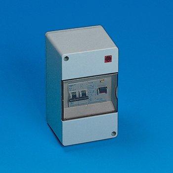 Preisvergleich Produktbild Verteilerkasten / Sicherungskasten für Wohnwagen / Wohnmobil,  kompakt,  240 V