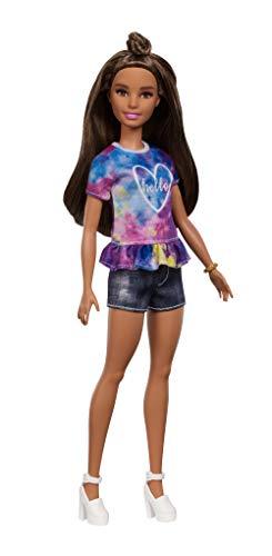 onistas Puppe im Batik T-Shirt mit braunen Haaren und Dutt Frisur, Puppen Spielzeug ab 3 Jahren ()