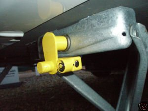 Milenco 3094 Wohnwagen-Wegfahrsperre, Zwei Stück, gleichschließend