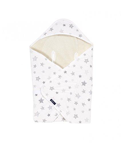 Alvi Baby Reisedecke Exclusiv | Baby Einschlagdecke 80 cm x 80 cm | Babydecke mit integrierter Mütze | Babyhörnchen aus Baumwolle & atmungsaktiv | passt für jede Babyschale, Design:Silver Stars silbergrau 786-9