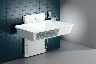 Pressalit R8682000 Wickel-Tisch mit sanitären Aritkeln, Waschbecken, Armatur, Ausziehbrause, elektrisch höhen-verstellbar für Senioren, behindertengerecht, wandhängend (Abmessungen: 80 x 140 cm)