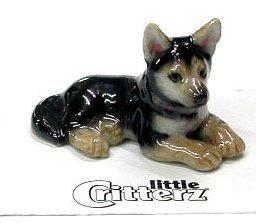 Little Critterz German Shepherd Tan/Schwarz Braun Puppy Dog Legt Tracker New Figur Miniatur Porzellan lc803 -