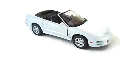 coche-de-lujo-pontiac-pirebird-2001-escala-13439