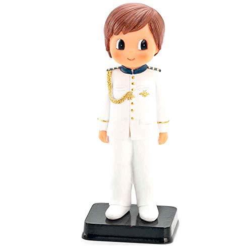 Figura o muñeco para tarta de Primera Comunión de un niño con traje blanco y adornos en azul marino y galones dorados. Un muñeco para la tarta de la Comunión de un niño.