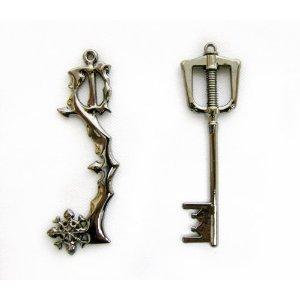 kingdom-hearts-ii-8keyblade-pendant-necklace-set-2-sora