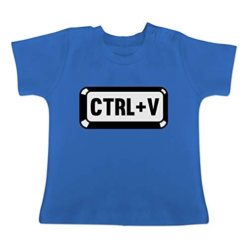 Partner-Look Familie Baby - Papa/Mama - Baby Copy - CTRL+V - 1-3 Monate - Royalblau - BZ02 - Baby T-Shirt Kurzarm Coby 19