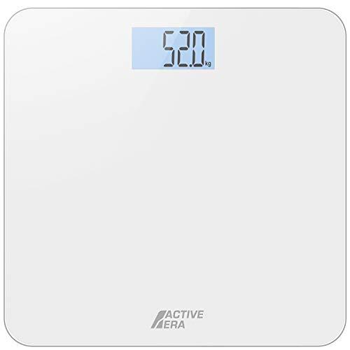 Active Era™Báscula de Baño Digital Ultrafina: Estas básculas de baño ultrafinas de Active Era tienen 4 sensores de pesaje que ofrecen una precisión incomparable en stones, kilos o libras. Una plataforma grande de 30 x 30 cm garantiza que el peso se ...