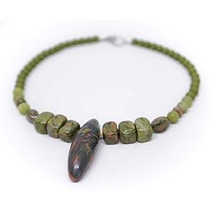 Designer Kette mit Unakit und grüner Jade