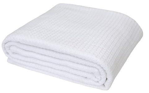 Homescapes waschbare Piqué Waffel Decke 125 x 150 cm Tagesdecke Überwurf Plaid aus 100% biologischer Baumwolle,