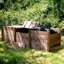 Dreifach-Holz Komposter - 75 cm x 260 cm x 91 cm.
