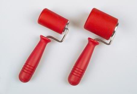 Kaiser Kaiserflex Red Teigausroller konisch, Ø 5,5 cm, Teigrolle, Silikon mit Metallkern, ergonomische Griffe, hitzebeständig bis 200°C, rot