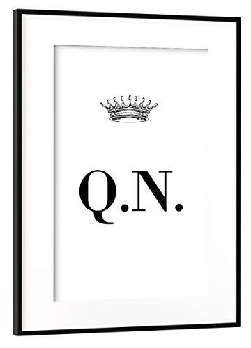 Qn Poster (artboxONE Poster mit Rahmen Schwarz (Metallic) 60x40 cm Queen QN von AB1 Edition - gerahmtes Poster)
