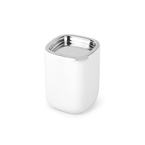 UMBRA Cutea canister. Boîte à thé en céramique avec couvercle étanche. Coloris blanc. Dimension : 9 x 9 x 12 cm