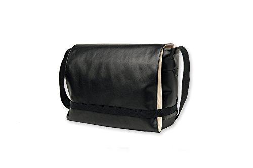 moleskine-travelling-collection-classic-messenger-bag