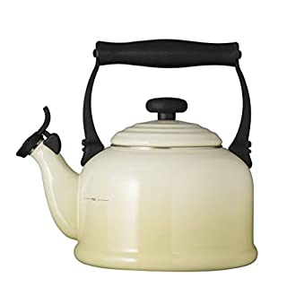 Le Creuset Traditional Kettle with Whistle, 2.1 L - Almond