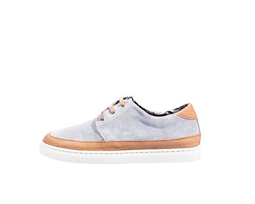Mondrian - Chaussures de sport ou des sneakers dress-up, de cuir fendu avec des lacets, et les détails autour de la base et à l'arrière de la chaussure en cuir nubuck dans une autre couleur Tan et gris