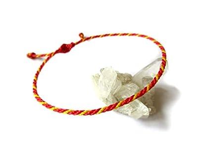Bracelet corde/fil Rouge & Jaune. Couleur Drapeau Espagne. Porte chance/Brésilien/Simple. Fait avec du fil ciré et ajustable. Réf.#P13