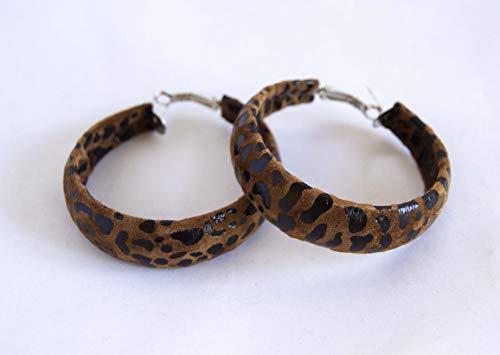 Pendientes de aro forrados de tela marrón animal print. Envío GRATIS 72h