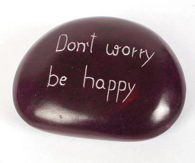 y-Inspirierende Stimmung Nachricht Briefbeschwerer-Don 't Worry Be Happy violett handgeschnitzt Stone Briefbeschwerer ()