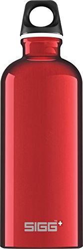 SIGG Traveller Red, Wandern Trinkflasche, 0.6 L, Aluminium, BPA Frei, Rot