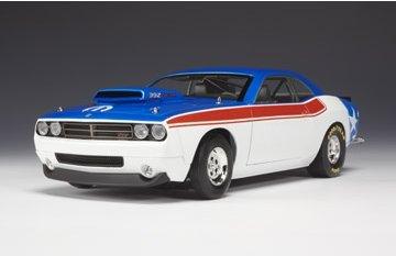 dodge-challenger-sstock-concept-2007-white-blue-red-118-highway-61-auto-stradali-modello-modellino-d