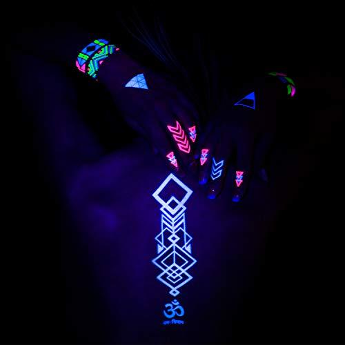 (AKTIIV Klebe- Tattoos | Hakuna Matata Kit mit 5 x Din-A5 Bogen Wasserfeste Temporary Tattoos | Neon Body & Face Painting Aufkleber für die Haut | Accessoire für Schwarzlicht UV Party & Festivals)