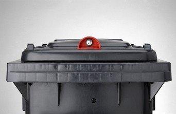 Mülltonnenschloss Schwerkraftschloss für Müllbehälter von Sudhaus GmbH & Co KG - Du und dein Garten