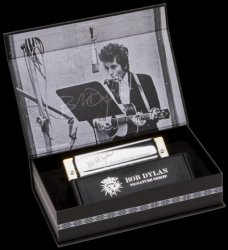 Armonica a bocca Hohner Bob Dylan Signature Serie C - Duracell