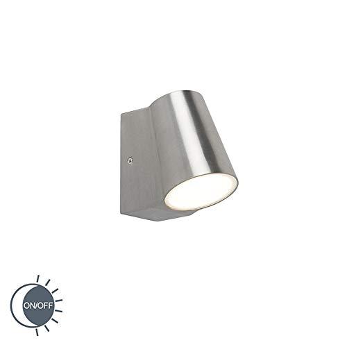 QAZQA Modern Außenleuchte/Wandleuchte fur Außen/Gartenlampe/Gartenleuchte Aluminium/Silver mit Hell-Dunkel-Sensor inkl. LED - Uma/Außenbeleuchtung/Glas Andere / (nicht austauschbare) LED M