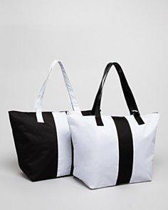 bloomingdales-tote-bag-black-beauty-ben-gwp-by-bloomingdales-black-tote