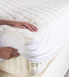 Poly Cotton Top Quilted Mattress Protector - With Fitted Skirt To Fit Bunk Size Bed (2ft 6) - low-cost UK light shop.
