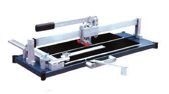 Fliesenschneider TopLine PRO 720 mit einer Gesamtschnittlänge von 720 mm. ROBUST-Ausführung mit Stahl-Grundplatte.