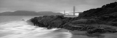 The Poster Corp Panoramic Images - Waves Breaking On Rocks Golden Gate Bridge Baker Beach San Francisco California USA Photo Print (91,44 x 30,48 cm) -