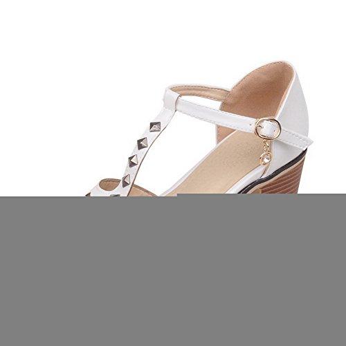 VogueZone009 Femme Pu Cuir Mosaïque Boucle à Talon Correct Sandales Blanc