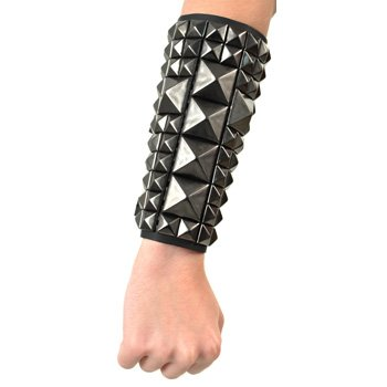 11 Row Studded Black Crucifix Bracelet Clouté En Croix (Noir)