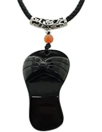 Collar con colgante de obsidiana negra para mujer, amuleto, hecho a mano, con forma de zapatilla grabada