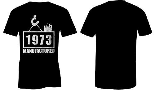 Manufactured 1973 - Rundhals-T-Shirt Männer-Herren - hochwertig bedruckt mit lustigem Spruch - Die perfekte Geschenk-Idee (01) schwarz