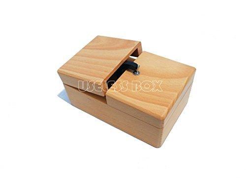 Scatola completamente inutile in legno