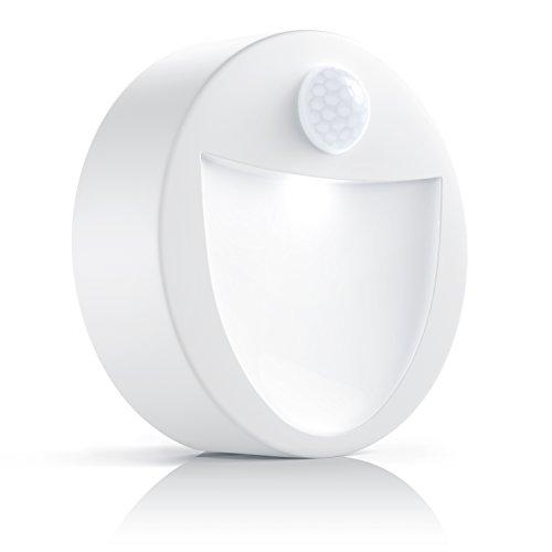 Brandson - LED de noche con sensor de movimiento y de claridad (sensor de oscurecimiento) | Lámpara de noche inalámbrica a pilas / Luz de noche con pila (uso versátil) | Soporte magnético + dispositivo de fijación a la pared incl. | ronda