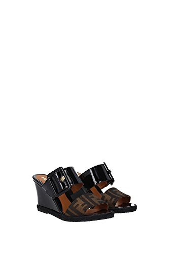 8V4269TK2F0QT1 Fendi Sandale Femme Cuir Verni Noir Noir