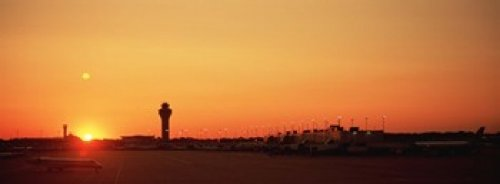 The Poster Corp Panoramic Images - Sunset Over An Airport O'Hare International Airport Chicago Illinois USA Photo Print (45,72 x 17,78 cm)