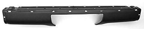 Nissan Terrano 1 - pare-chocs arrière central noir nissan terrano depuis